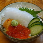 和食乃沙都使 - いくら・うに・イカの海鮮丼