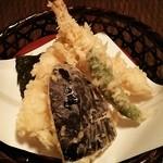 蕎麦処 多賀 - こちらは天せいろの天ぷら。