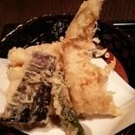 蕎麦処 多賀 - あなご天せいろの天ぷら。