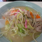 中華万来 - ちゃんぽん630円。白濁してて、すぐ膜を張るようなマッタリコク感もあるスープ。