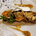 42340220 - フランス茸、鶏ももコンフィ、燻製帆立