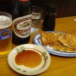 松龍軒 - 焼餃子と瓶ビール