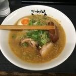 42348371 - 豚骨味噌ラーメン 麺半分