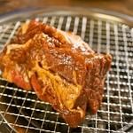 韓国家庭料理 済州 - ◇10周年記念メニュー◇肉塊!ジャンボカルビ!トングを持つ手が震える大きさ!
