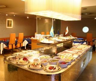 レストラン ストックホルム - 北欧料理をバイキングスタイルで!
