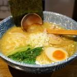 麺屋なごみ - 料理写真:2015.9 塩白湯麺(780円)