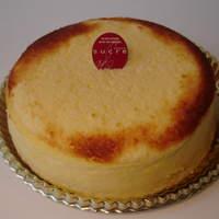 パティスリー シュクレ - 2種類のチーズをたっぷり使った当店人気NO1商品です。