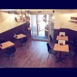 PATISSERIE&PIE HOUSE JUNNOSUKE - カフェスペースも併設したお洒落な店内