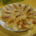 ぎょうざの丸岡 - 料理写真:焼きました
