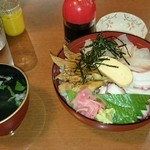 魚の棚食堂 - 魚の棚丼