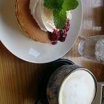 ゆずり葉 - 5種のベリーソースのパンケーキセット