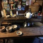 民宿 フィールドノート - 蒔きストーブを囲んだテーブル!