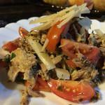 民宿 フィールドノート - 地鶏とフレッシュトマトのサラダ。