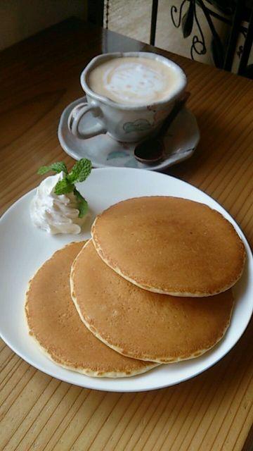 ゆずり葉 - パンケーキセット、ミルクティー