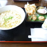 ちゅーりっぷ - 太麺塩うどん 800円