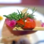 風のテラスKUKUNA - 料理写真:蒸し鷄とハーブサラダ