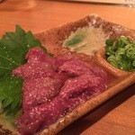 本気炭火焼鶏 豆 - ☆生レバーは胡麻油で頂きます☆