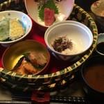 白喜屋 - おまかせランチ980円 茶碗蒸し付き