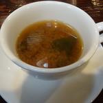 丸太小屋レストラン  びんずる - 味噌汁はカップで