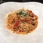 42382320 - ベーコンと彩り野菜の菜園風 トマト煮込みソース スパゲッティーニ