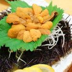 いけす料理磯太郎 - 料理写真:鐘崎で水揚げされた赤ウニ