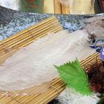 いけす料理磯太郎 - 一本釣りヤリイカの活き造り