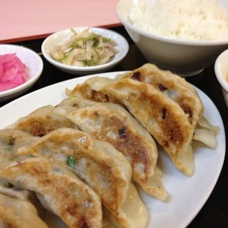 餃子食べ放題!!