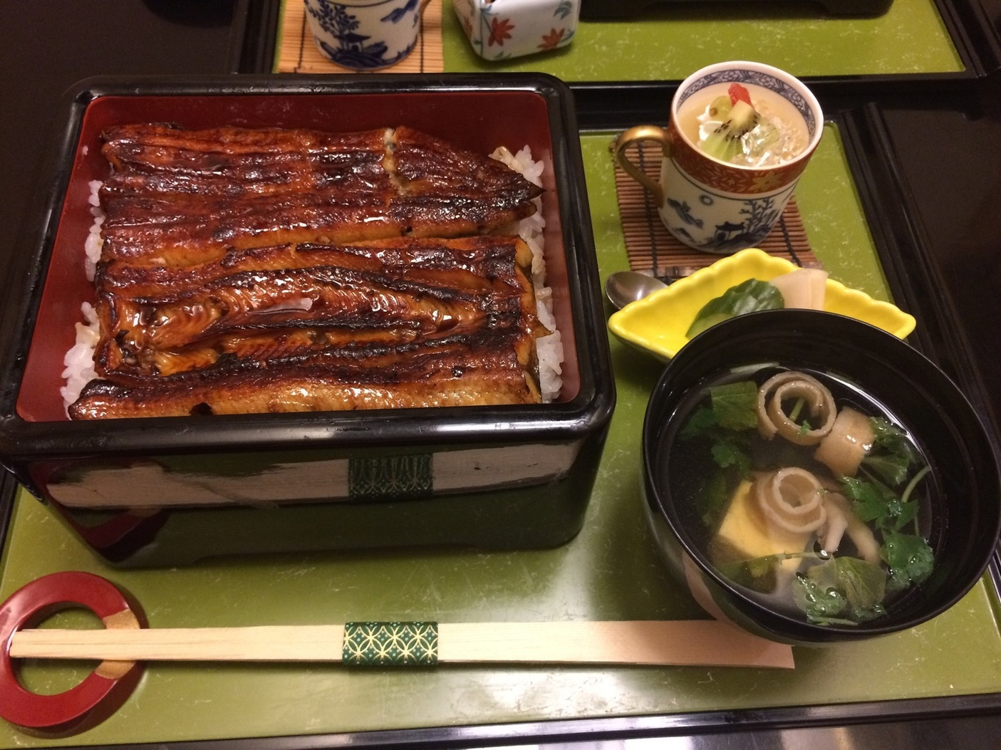 日本料理 万八十