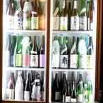 麦酒庵 - 店内には銘酒がズラリと冷やされています(2015.Sep)