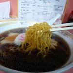 天味 - 麺は伝統的な札幌麺