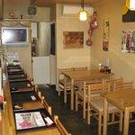 泰弘膳 - 1階は、カウンター席と椅子席