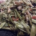42403757 - ・酸豆角炒肉末 880円 湖南伝統ササゲの肉味噌炒め