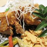 活いか・皮はぎ・ふぐ・牛肉・和食鮮魚 英二楼 - 虎ふぐの唐揚げ6~7貫 2,380円       これは美味しいです。