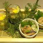 越後屋 久保田 - 鶏皮ポン酢(一品料理)・新鮮真鯛の酢味噌和え(前菜)/2015年9月来店