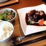 Soup&cafe たらTaRa  四ツ橋店 - ビーフシチューハンバーグ