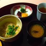 Tsukimisou - 季節の炊き込み御飯・味噌汁『深川めし』