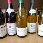 chez l'ami noix - ワイン。店主の趣味でブルゴーニュが増えてきました。どれも日本の食事にあうものばかりです。