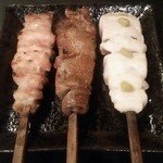 炭火焼 鶏奈緒 - モモ肉、レバー、ササミ