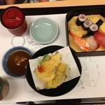 42411741 - (料理)すし梅膳(天ぷら・赤だし付)