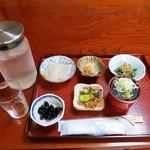 いしいのそば - 料理写真:1500円コースの惣菜ですw どれも旨いですが特に水がめちゃうまです(^ω^)
