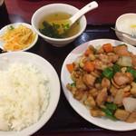 42415161 - 鶏肉のカシューナッツ炒め定食 850円税別