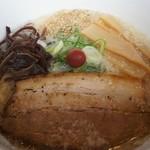 らあ麺ダイニング 為セバ成ル。 - 成ル麺。基味 670円 すっきりとした味わいの塩とんこつ