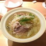 鶏ぃん - コラーゲンスープの鶏煮