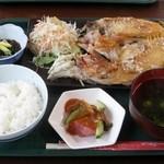 国頭港食堂 - クジナシのバター焼き定食1300円