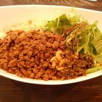 四川担担麺 阿吽 - つゆ無し坦坦麺(4辛)830円
