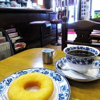 平岡珈琲店 - 料理写真:平岡ブレンド、ドーナツ