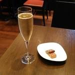 ラ・メゾン・デュ・ショコラ   - シャンパンとガナッシュ