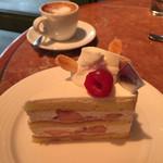 ラ・ピエスモンテ - 季節のショートケーキ