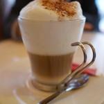 CAFE des 2 MOULINS - カプチーノ