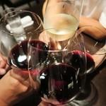 ワインバー コリエドール - 各自好みのワインで乾杯